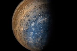 В Юпитер врезался неизвестный космический объект