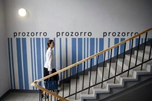 С начала года через Prozorro продано медицинских масок почти на 453 миллиона - эксперт
