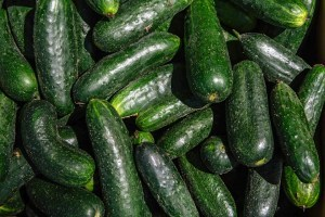 Мережа супермаркетів Biedronka видавала українські огірки за польські