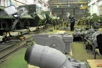波罗申科:乌国防工业公司从修理旧武器转向生产新军备
