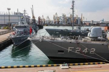 NATO can respond to Russian blockade of Azov Sea - Commander Boots