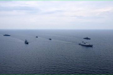 Ukraine, NATO navies hold passing exercise