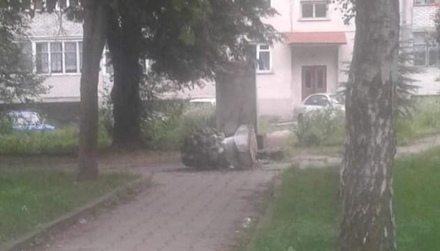 На Львівщині вандали знищили пам`ятник Пушкіну