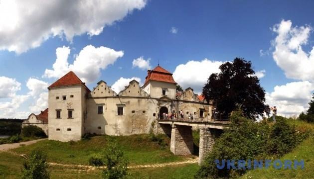 У Свірзький замок пустять туристів
