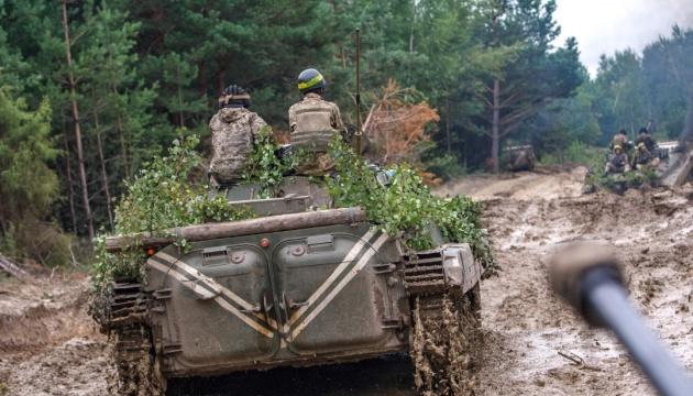 Donbass: 33 bewaffnete Angriffe, ein Soldat getötet und vier verletzt