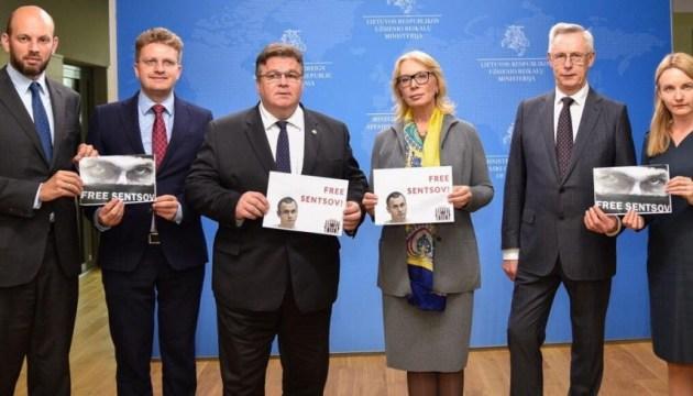 #FreeSentsov: к флешмобу присоединился глава МИД Литвы