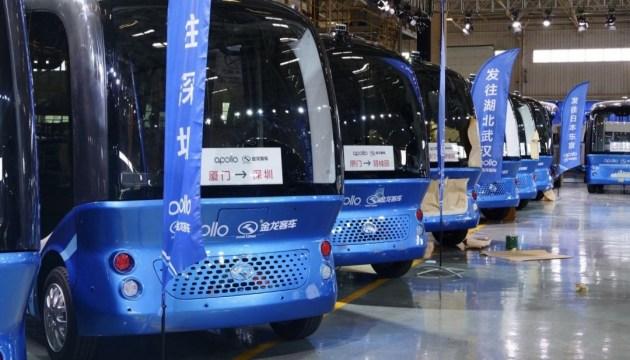 Baidu запускает массовое производство автобусов с автопилотом