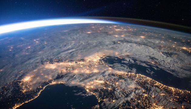 Рівень вмісту вуглекислого газу в атмосфері Землі є критичним — науковці