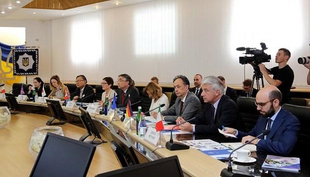 Аваков презентував послам країн G7 стратегію деокупації Донбасу