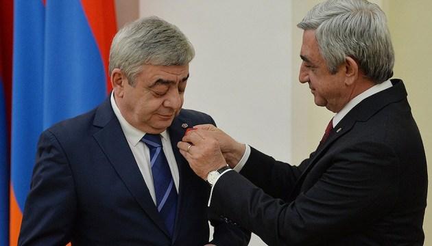 Брата екс-президента Вірменії звинуватили у фінансових злочинах