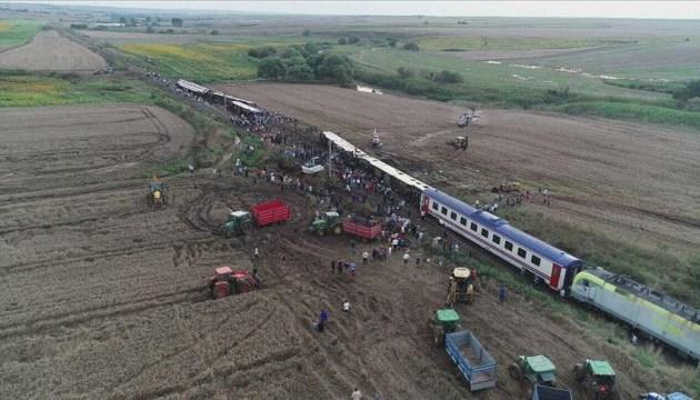 Аварія потяга у Туреччині: кількість загиблих зросла до 24