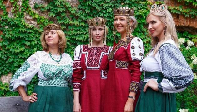 У замку на Житомирщині покажуть етнічну моду