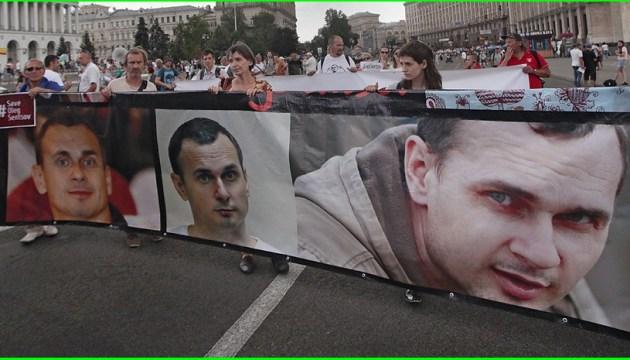 La Russie est-elle prête à laisser mourir Oleg Sentsov « en guise de leçon » pour les autres prisonniers?