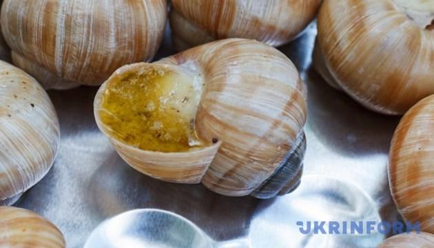В Ізюмі почали випускати комбікорм для равликів