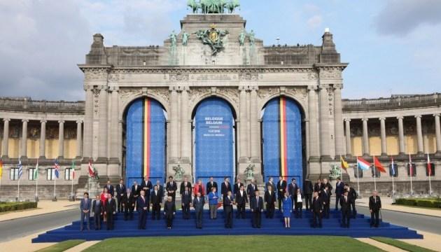 Порошенко приветствует решение саммита НАТО об укреплении партнерства
