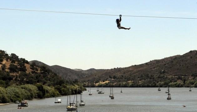 В Испании можно переместиться во времени на зиплайне