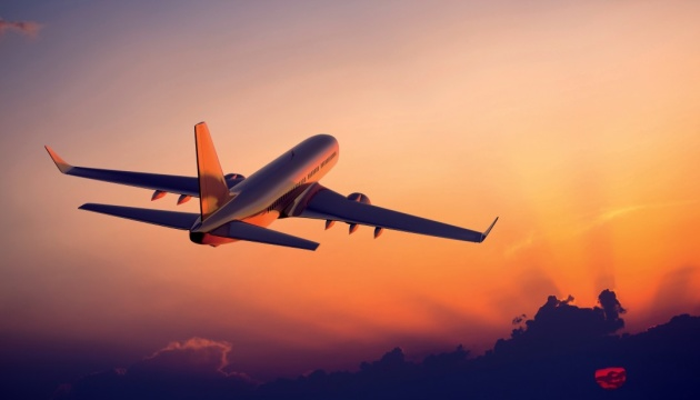 Туризм «захворів» на коронавірус: рейсів меншає, ціни падають