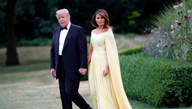 Меланія Трамп підкорила соцмережі розкішним вбранням