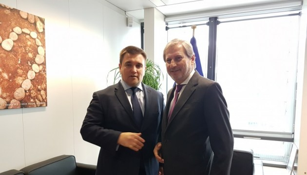 Klimkin and Hahn in Brussels urge Russia to free all Ukrainian political prisoners