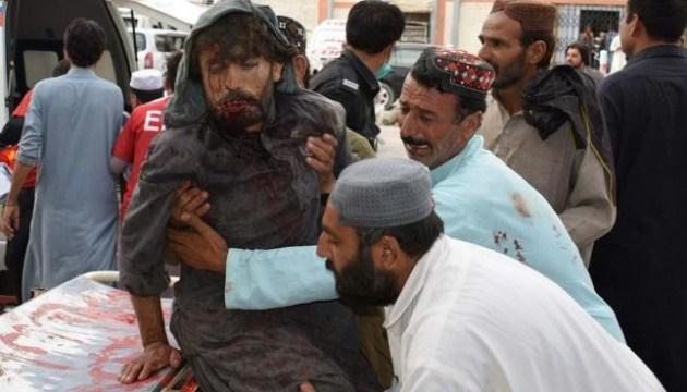 Нападения смертников: количество жертв в Пакистане возросло до 140