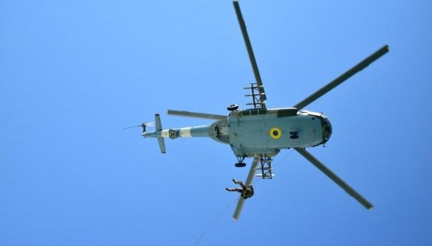 Sea Breeze 2018: пограничники отработали высадку с вертолета на судно-нарушитель