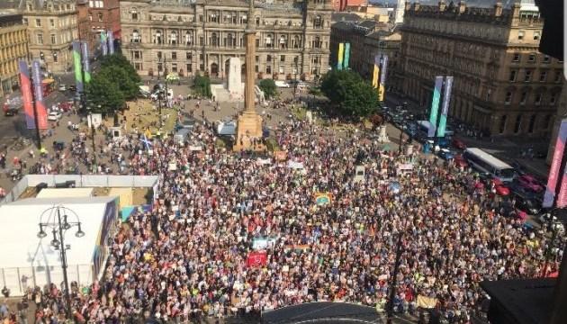 У Шотландії близько двох тисяч людей протестують проти візиту Трампа