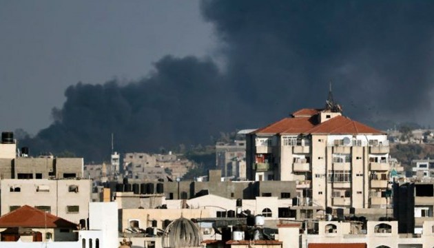 Израиль обстрелял боевые объекты в секторе Газы