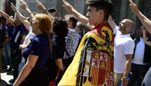 В Испании протестуют против перенесения тела из мавзолея Франко