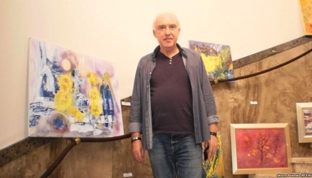 Український активіст у Чехії продає власні картини, щоб допомогти військовим з України