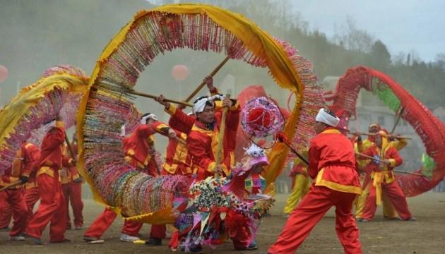 Волонтери з Азії та Європи покажуть культуру своїх країн у Чернівцях