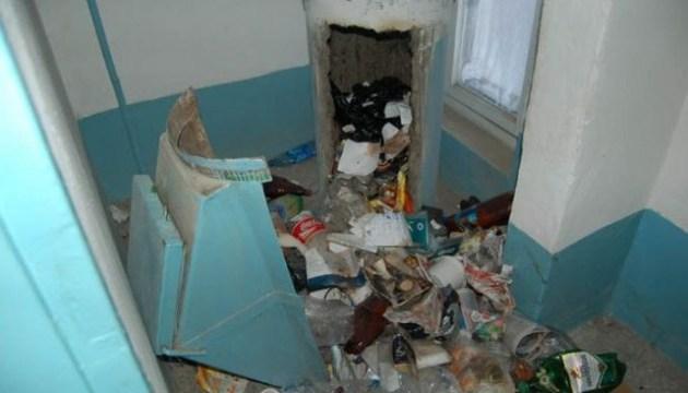 Мэр Чернигова хочет закрыть мусоропроводы в домах
