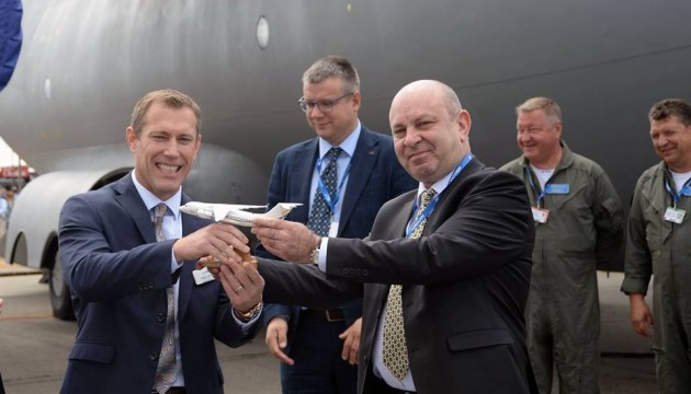 Antonov signs agreement with Boeing subsidiary