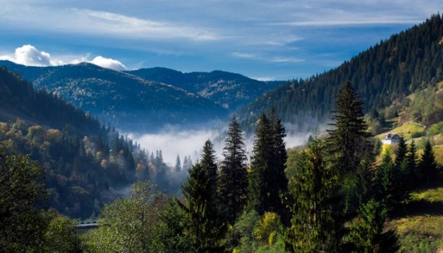 Number of foreign tourists traveling to Zakarpattia region grows