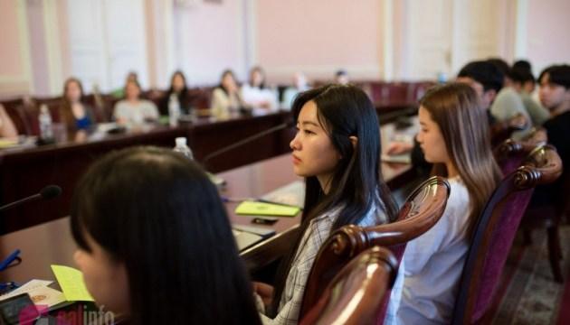 У Львові стартувала міжнародна літня школа україністики