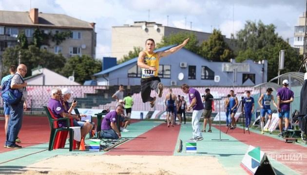 Чемпионат Украины по легкой атлетике стартовал в Луцке
