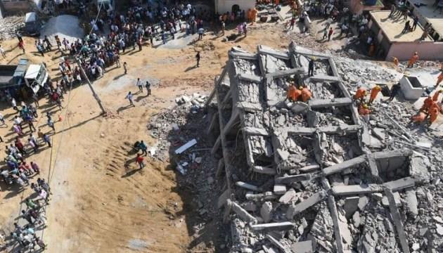 Обвалення багатоповерхівки в Індії: кількість жертв зросла до дев'яти