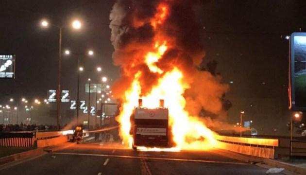 У Румунії на ходу загорівся автобус, 13 осіб дістали опіки