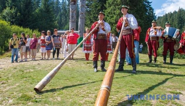 На Гуцульському фестивалі 7 громад влаштують спортивну битву