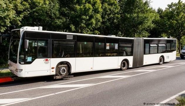 Різанина в автобусі: суд Любека видав ордер на арешт нападника