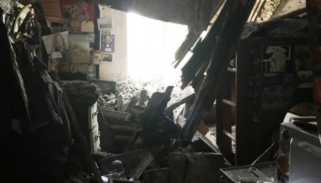 У Житомирі обвалилася стеля в будинку, мешканців евакуювали