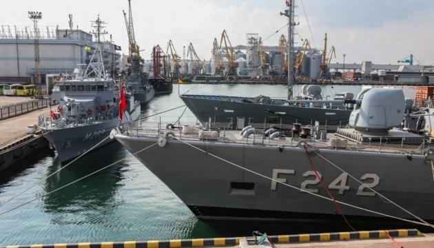 НАТО може відповісти на російську блокаду Азовського моря - командувач Бутс