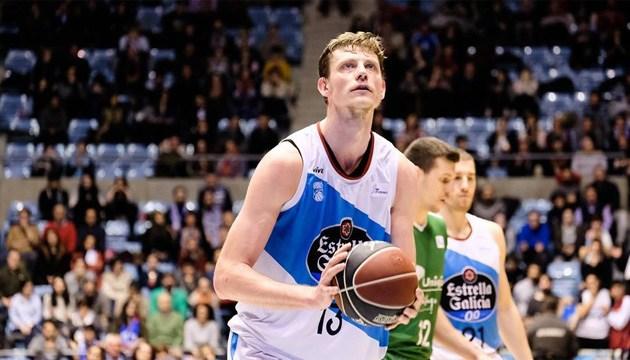 Баскетболист сборной Украины Пустовой продолжит карьеру в