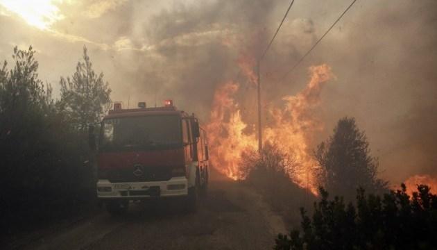 Пожары в Греции: помощь консульства попросили восемь украинцев