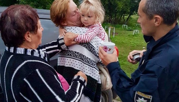 На Черкащині поліція знайшла зниклу 2,5-річну дівчинку