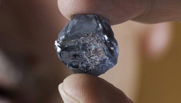 Викрадений в ОАЕ блакитний діамант вартістю $20 мільйонів знайшли на Шрі-Ланці