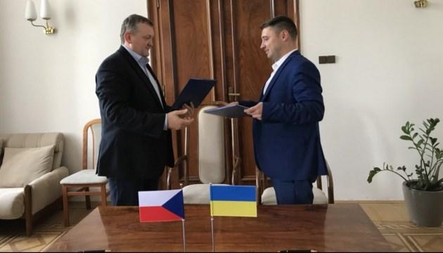 Чехия увеличит квоту разрешений на автоперевозки для украинцев