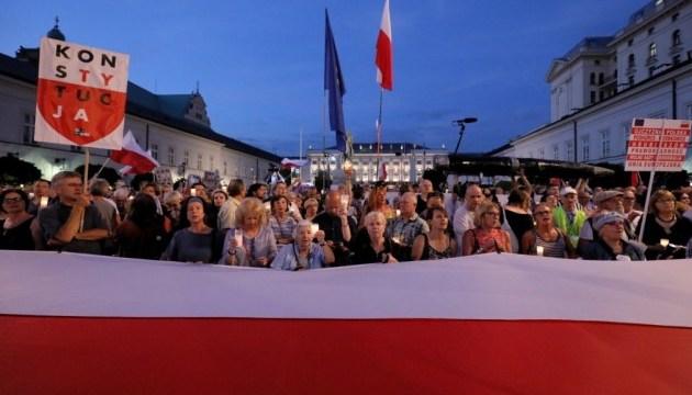 Поляки знову протестують: Дуда підписав зміни у системі судочинства