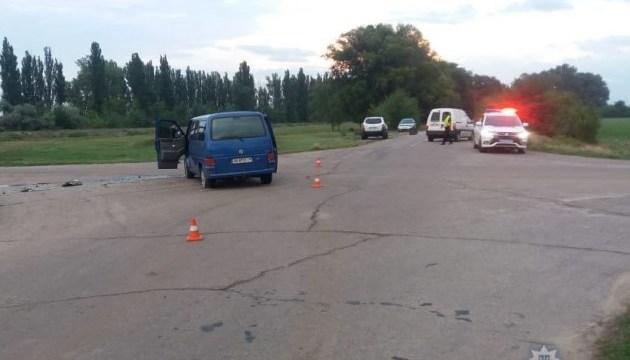 На Херсонщині зіткнулися два авто, восьмеро постраждалих