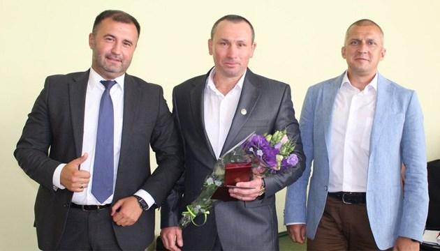 Бокс: тренеру Александру Хижняку официально вручили государственную награду