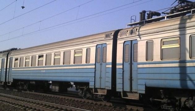 На Львівщині 10-річний мотоцикліст зіткнувся з потягом